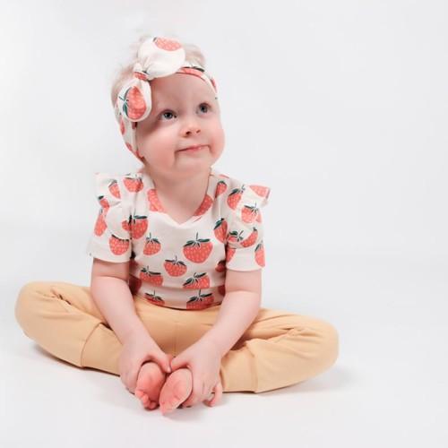 Lastenvatteet_Strawberries_frillapaita_IhkaClothing